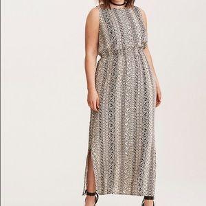 Torrid Black & White Printed Sleeveless Maxi Dress